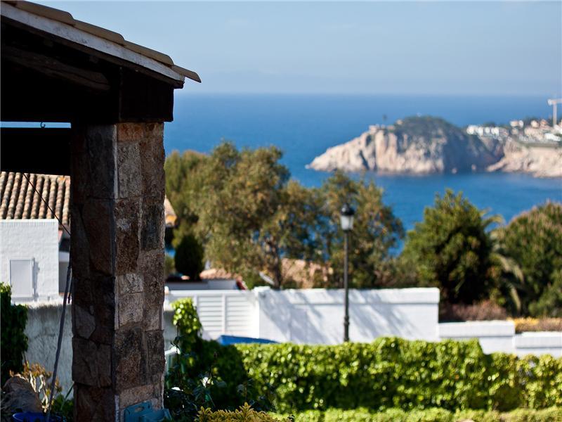 Property Of Дом с видом на море в Сан Фелью де Гишольс