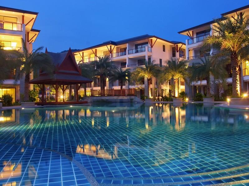 Appartement pour l Vente à Beachfront Deluxe 4 Bed Penthouse Nai Thon Nai Thon, Phuket, 83110 Thaïlande