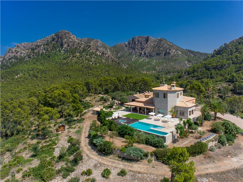 Property Of Exceptional Villa With Sea Views in Sant Elm