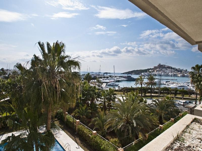 Apartamento por un Venta en Magnificent South Oriented Apartment Ibiza, Ibiza, 07800 España