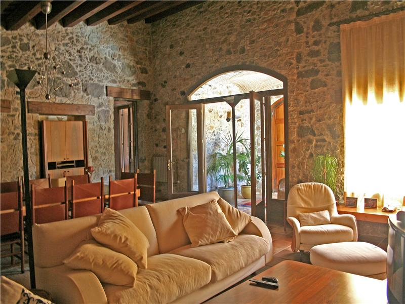 Property Of Unique country house only 400m from the beach