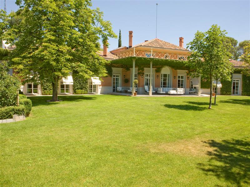 Single Family Home for Sale at Exceptional Villa in Puerta de Hierro Madrid, Madrid, 28035 Spain