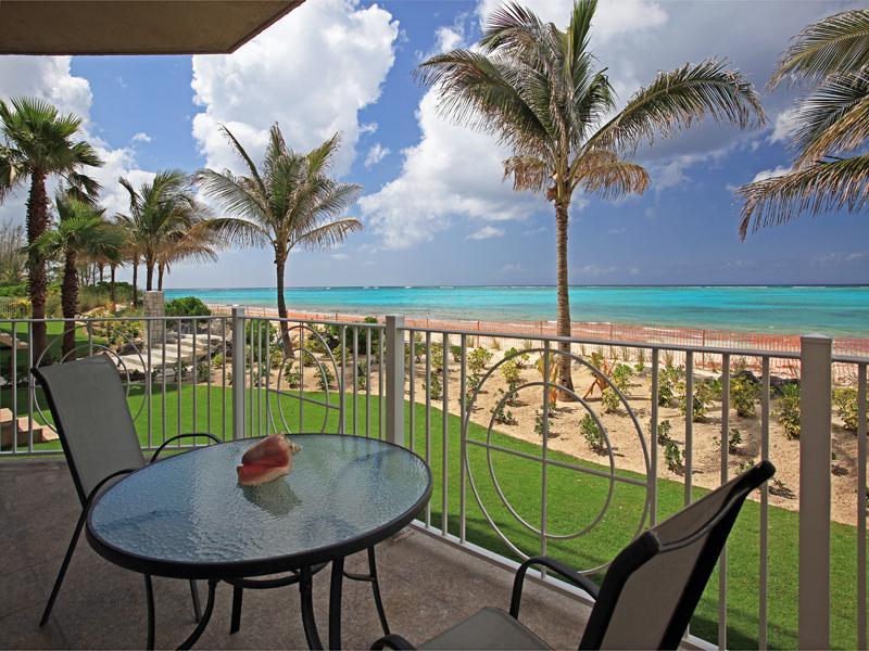 Appartement en copropriété pour l Vente à Love Beach Walk Love Beach Walk, Love Beach, New Providence/Nassau Bahamas