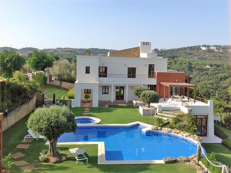 Single Family Home for Sale at Impressive spacious property with separate guest villa Sotogrande, Costa Del Sol 11310 Spain