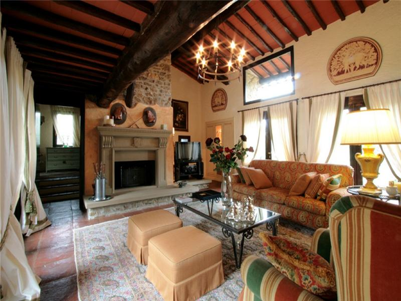 Additional photo for property listing at Stunning rural Property in the heart of Chianti  Castellina In Chianti, Siena 53011 Italie