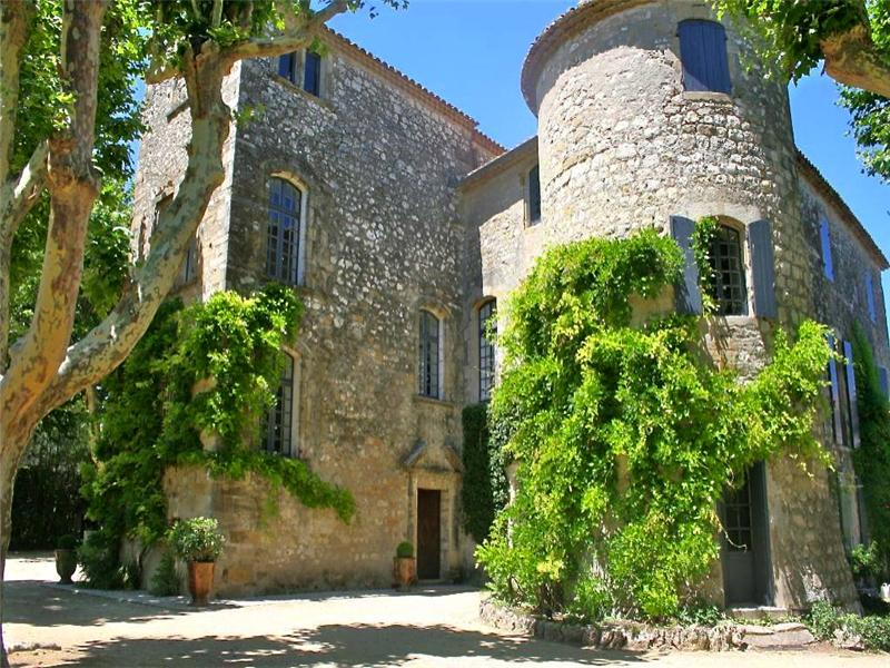 Multi-Family Home for Sale at UZES, CHÂTEAU ISMH AU PASSÉ PRESTIGIEUX Uzes, Languedoc-Roussillon 30700 France