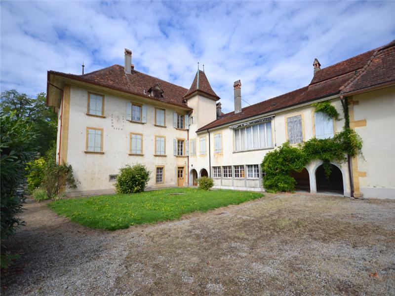 Hacienda / Estancia / Plantation for Sale at Château de Muntelier with plot suitable for buildi Murten, Fribourg 3286 Switzerland