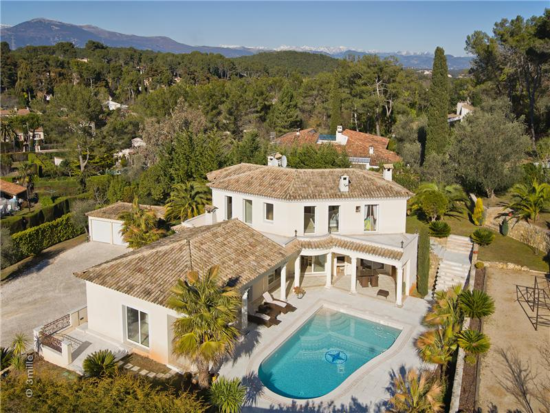 Single Family Home for Sale at JOINT AGENCY - VERY NICE PROPERTY CLOSE TO GOLF Mougins, Provence-Alpes-Cote D'Azur 06250 France