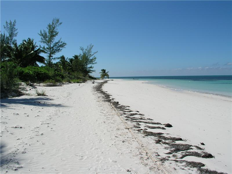 Additional photo for property listing at House on 28th Street Spanish Wells, Eleuthera Bahamas