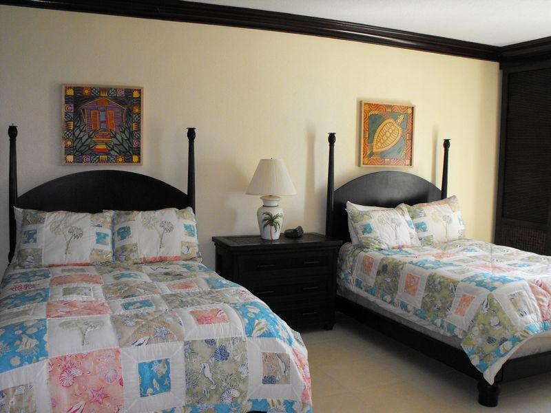 Additional photo for property listing at Robin's Nest The Residences Marsh Harbour, Abaco . Bahamas