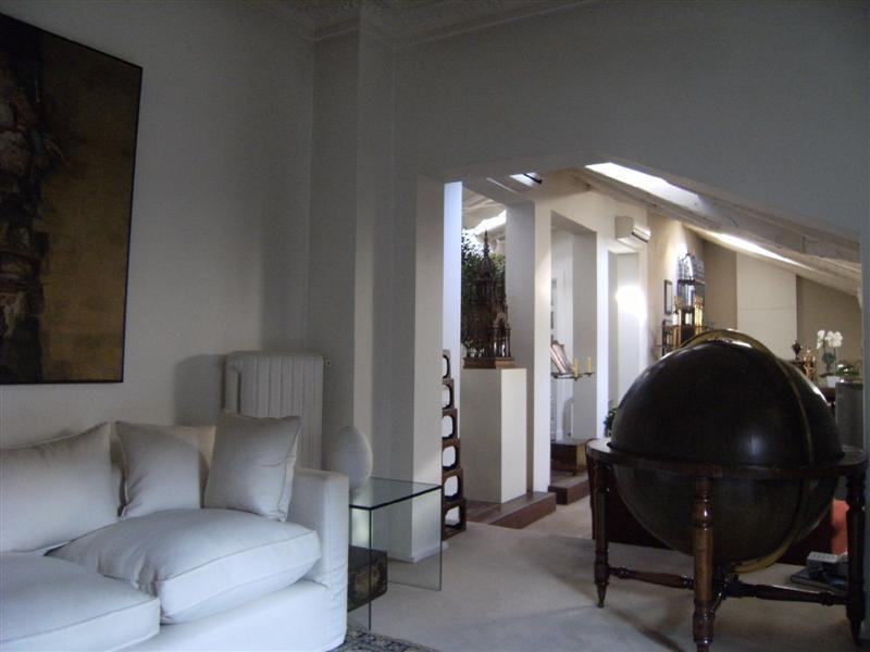 Property Of Triplex-Penthouse in the Heart of Madrid