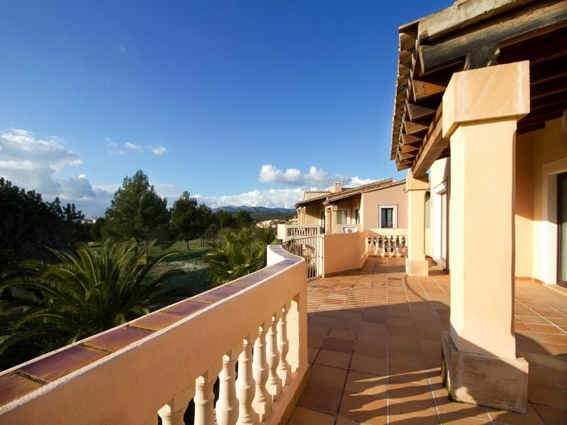 Property Of Apartment With Golf Views in Santa Ponsa