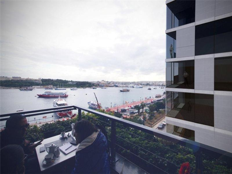 기타 주거 용 매매 에 Seafront Luxury Apartments and Office Sliema, SLM 1205 몰타