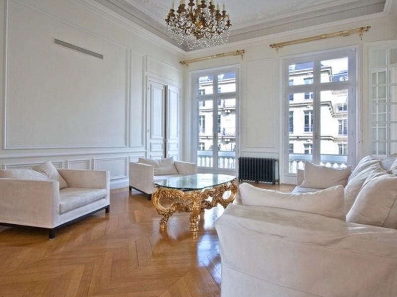 Property Of Paris 8 - Arc de Triomphe