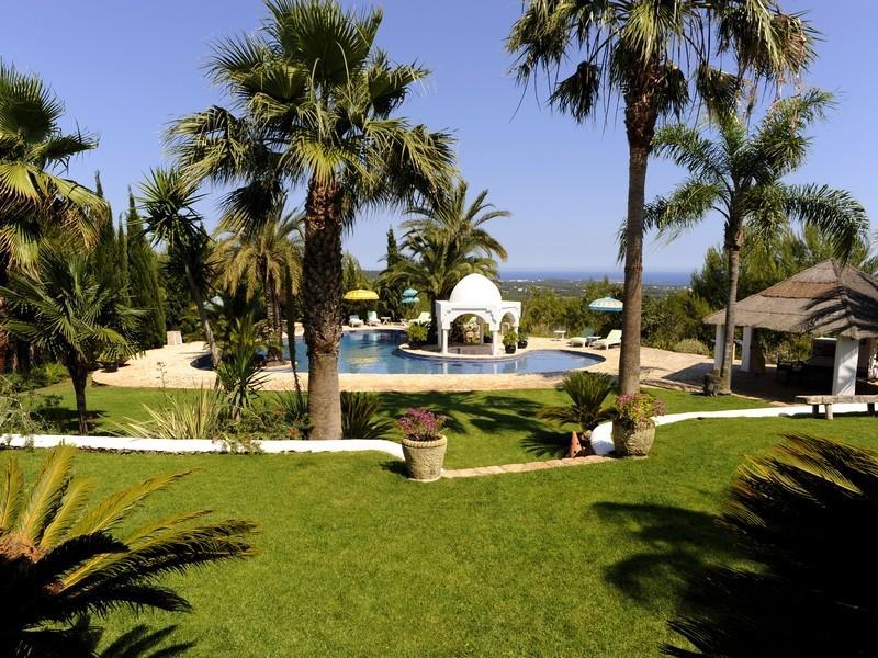 Tek Ailelik Ev için Satış at Luxury Retreat With Sea Views Santa Eulalia, Ibiza 07819 Ispanya