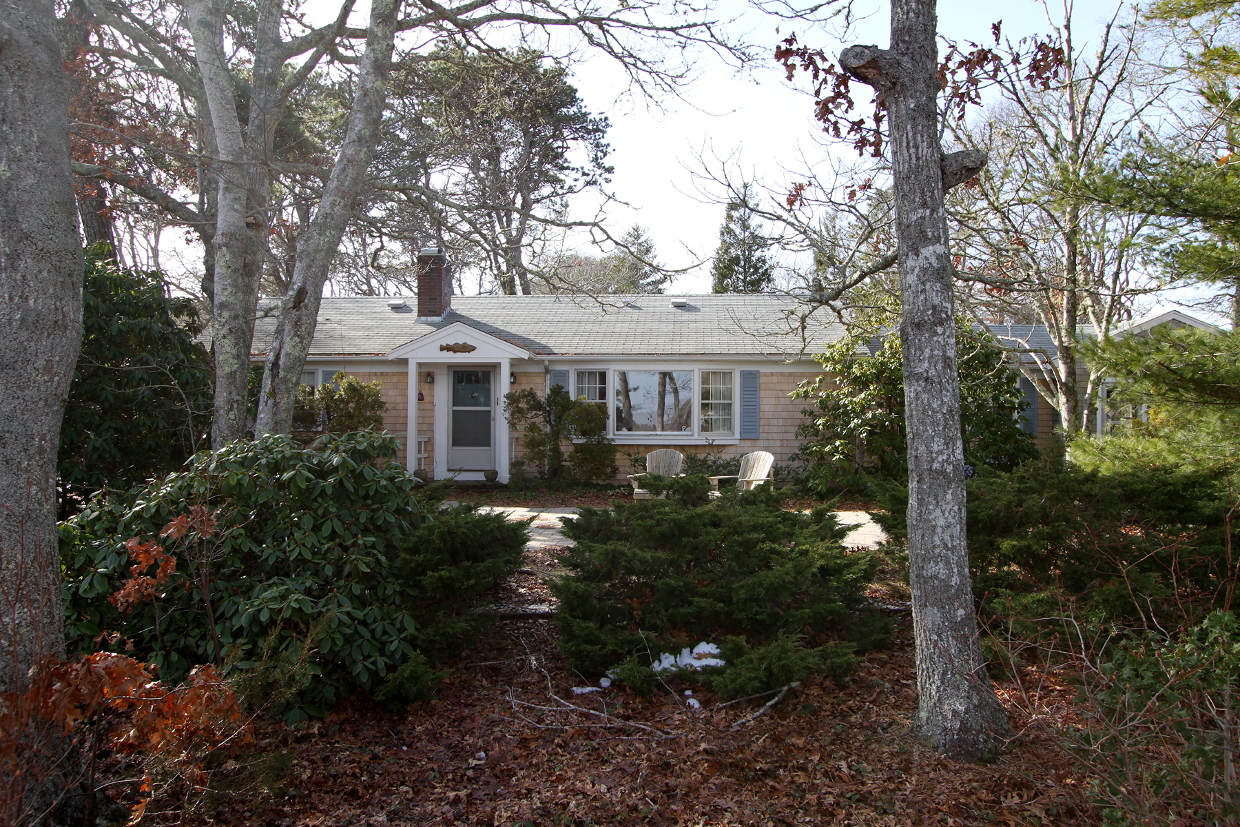 Single Family Home for Sale at 60 Ice House Road, Yarmouth, MA Yarmouth, Massachusetts, 02664 United States
