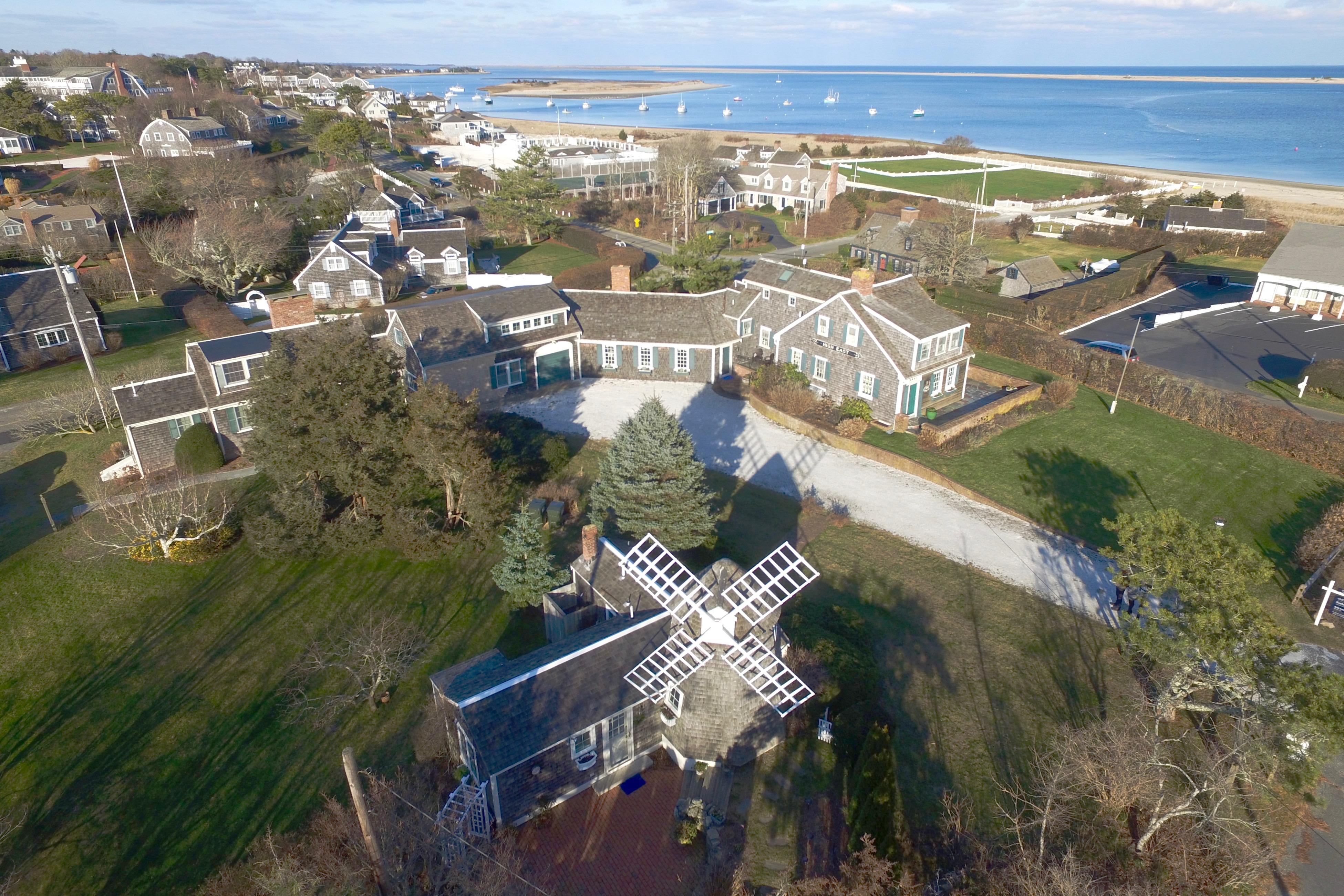 Condomínio para Venda às Sweeping Water Views 209 Shore Road Chatham, Massachusetts, 02633 Estados Unidos