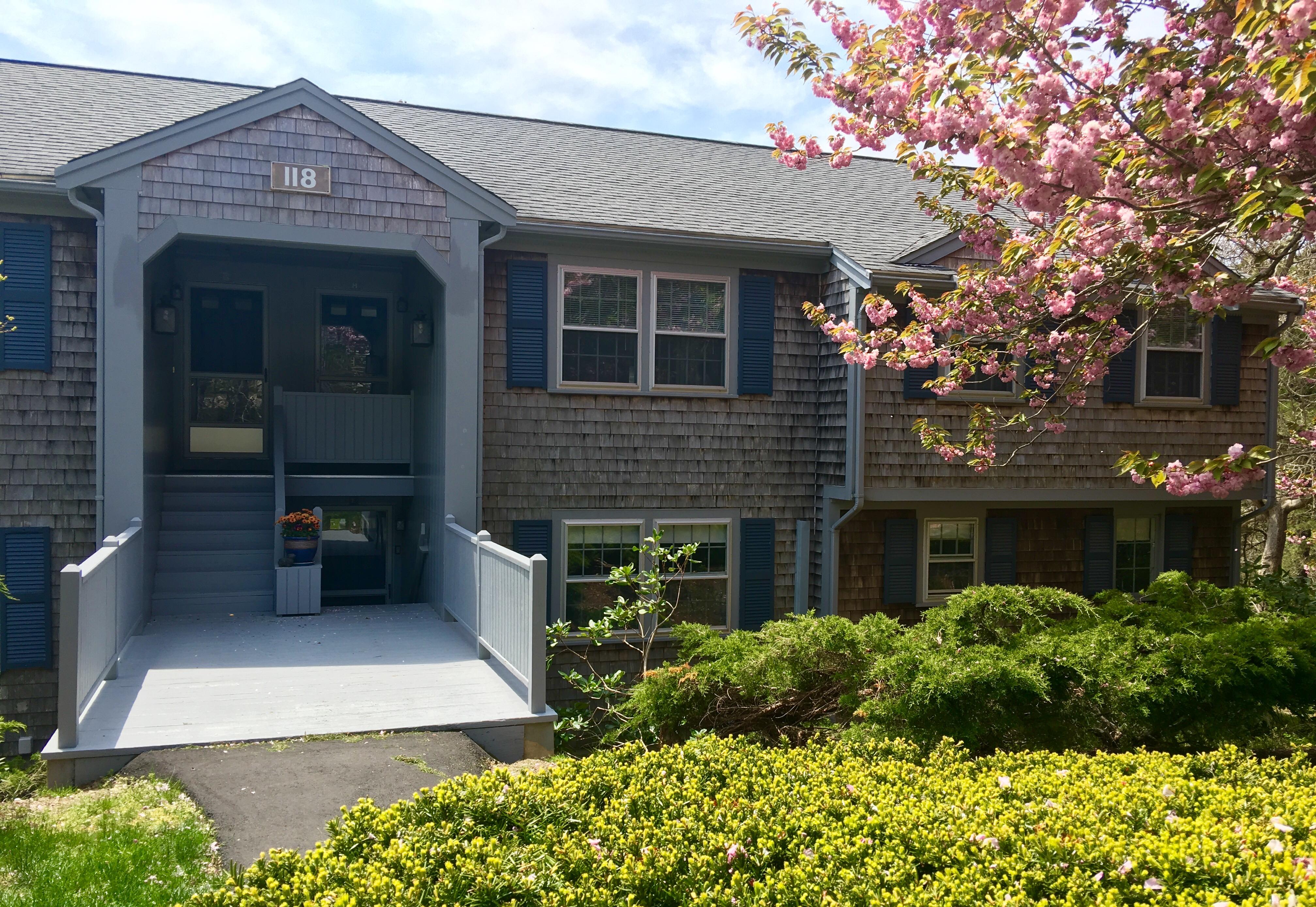 Condominio per Vendita alle ore Portside Village II 118 Misty Meadow Lane Chatham, Massachusetts, 02650 Stati Uniti