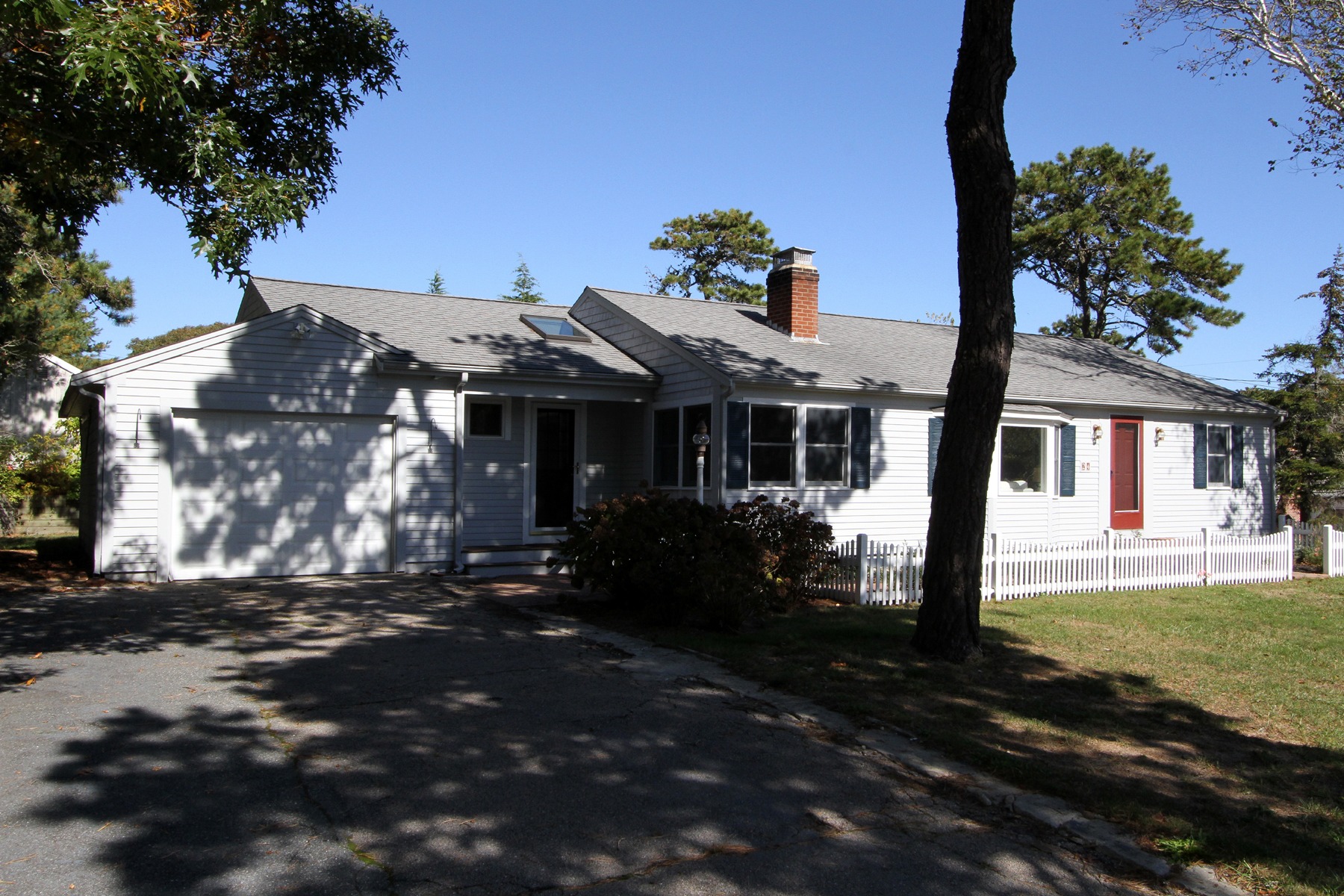Single Family Home for Sale at GREAT RENTAL POTENTIAL 24 Hollow Lane Harwich, Massachusetts 02645 United States