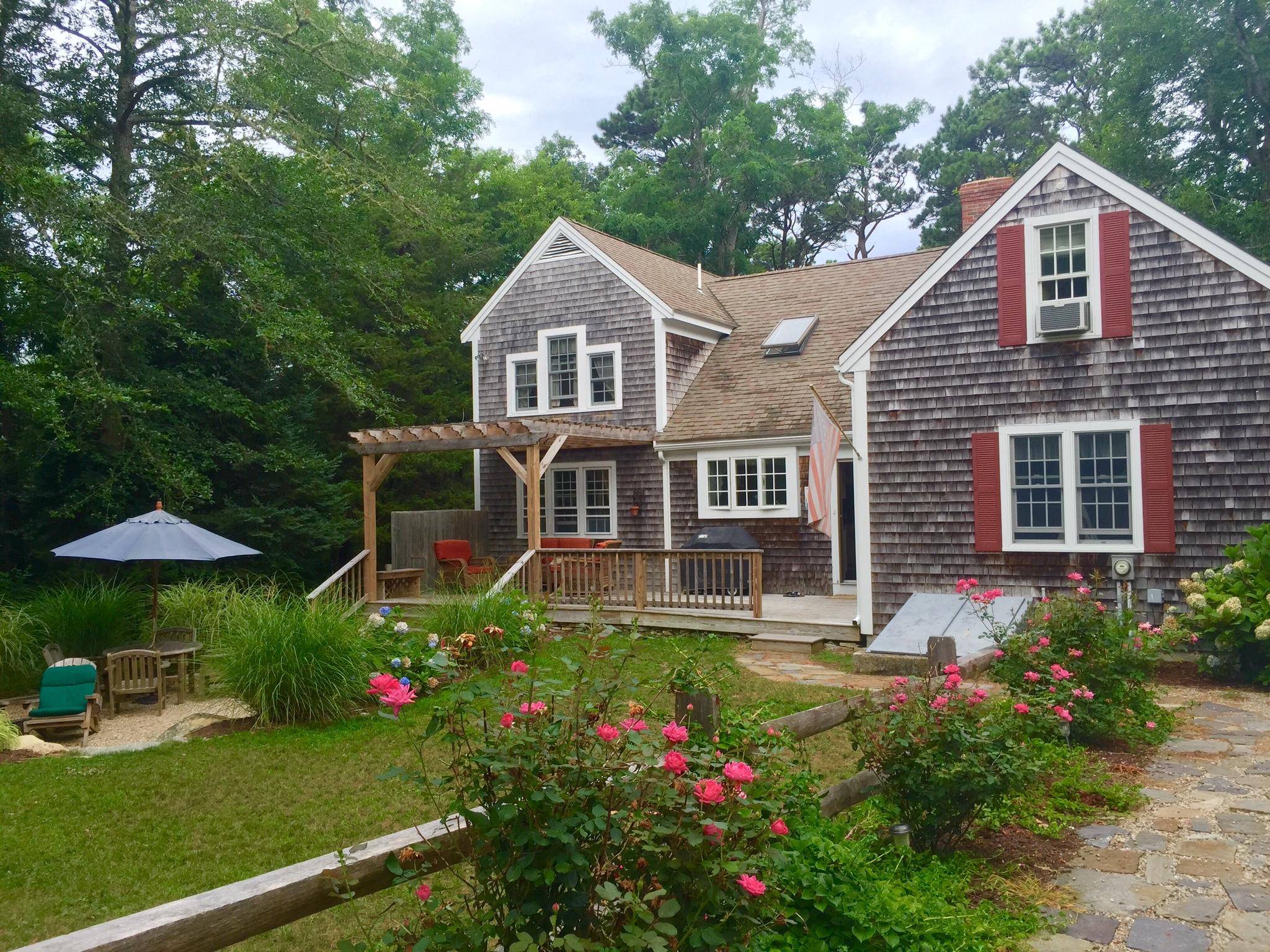 Moradia para Venda às Picturesque Cape 334 Stony Brook Road Brewster, Massachusetts, 02631 Estados Unidos