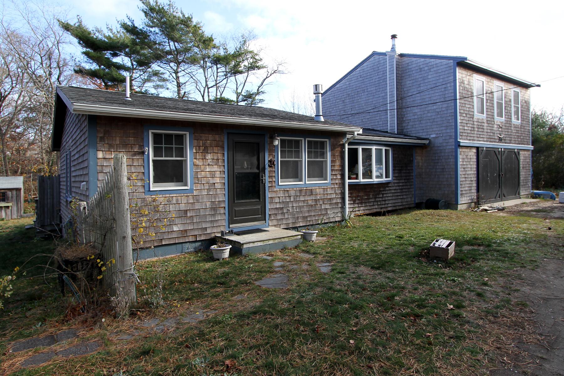 Maison unifamiliale pour l Vente à 440 Massasoit Road, Eastham, MA Eastham, Massachusetts, 02642 États-Unis