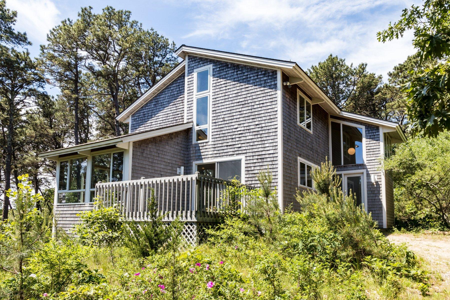 Single Family Homes for Active at 2101 Old Kings Highway, Wellfleet, MA 2101 Old Kings Highway Wellfleet, Massachusetts 02667 United States