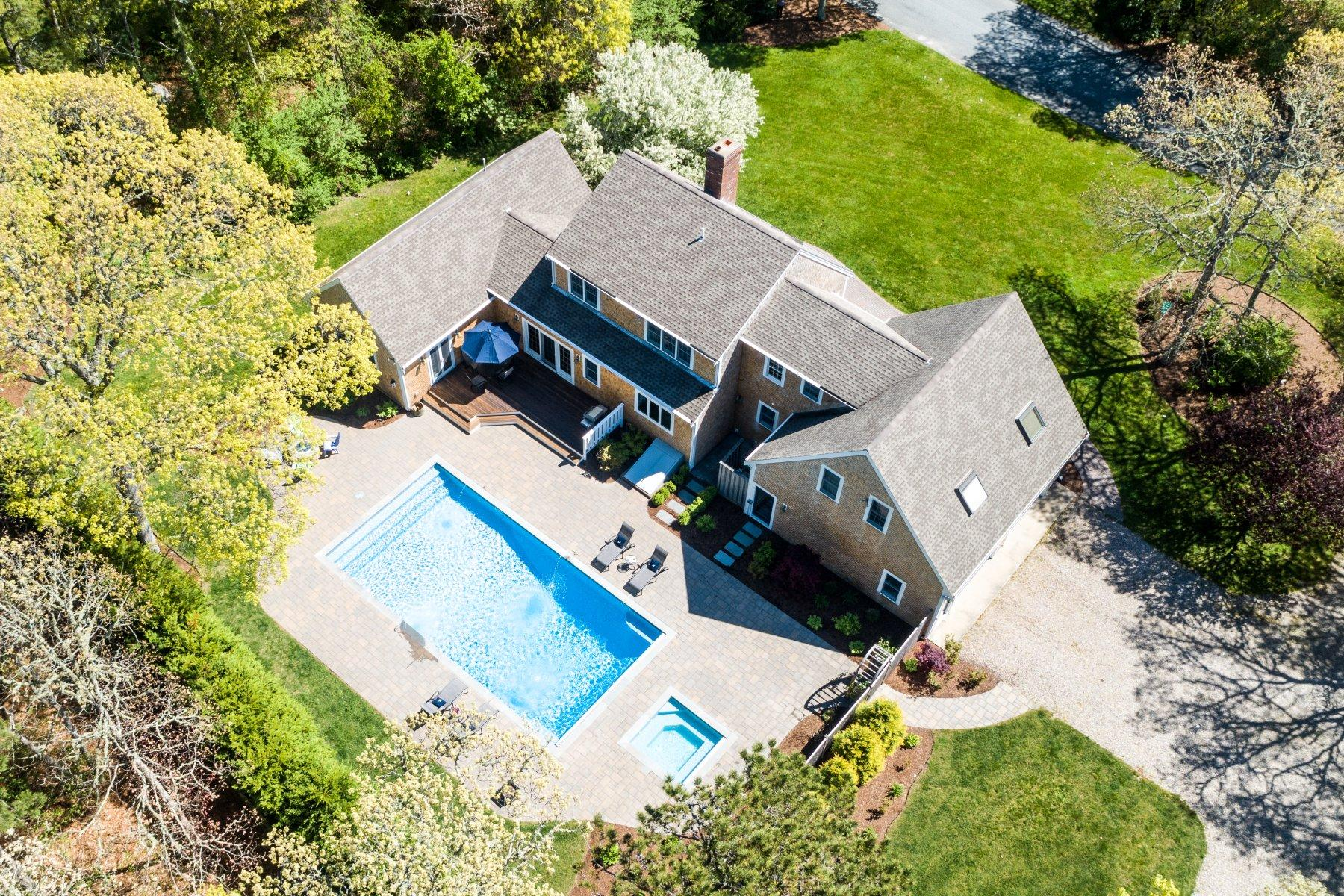 Single Family Homes for Active at 11 Keith Lane, Brewster, MA 11 Keith Lane Brewster, Massachusetts 02631 United States