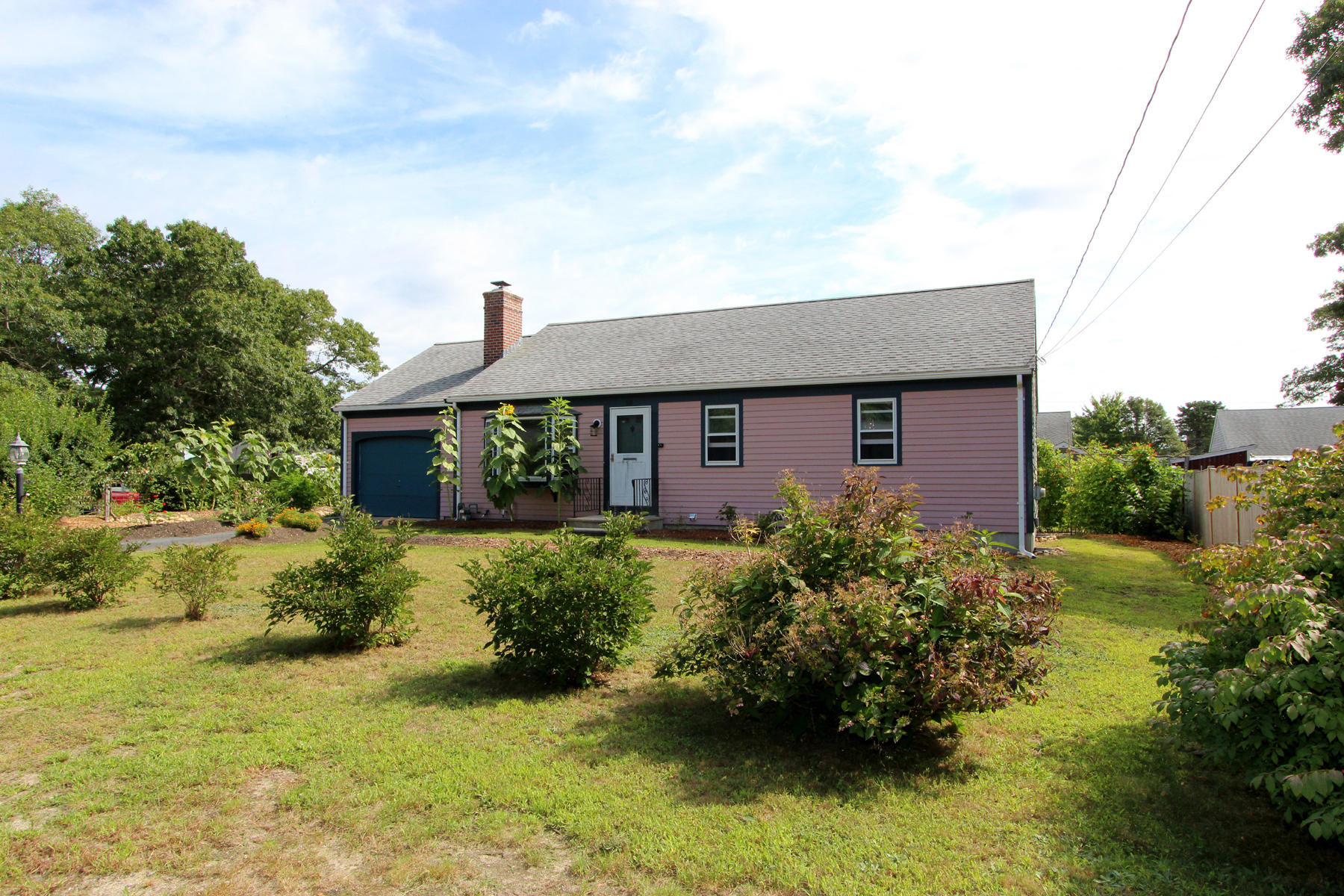 Single Family Homes pour l Vente à 58 Colburne Path, Yarmouth, MA 58 Colburne Path Yarmouth, Massachusetts 02673 États-Unis