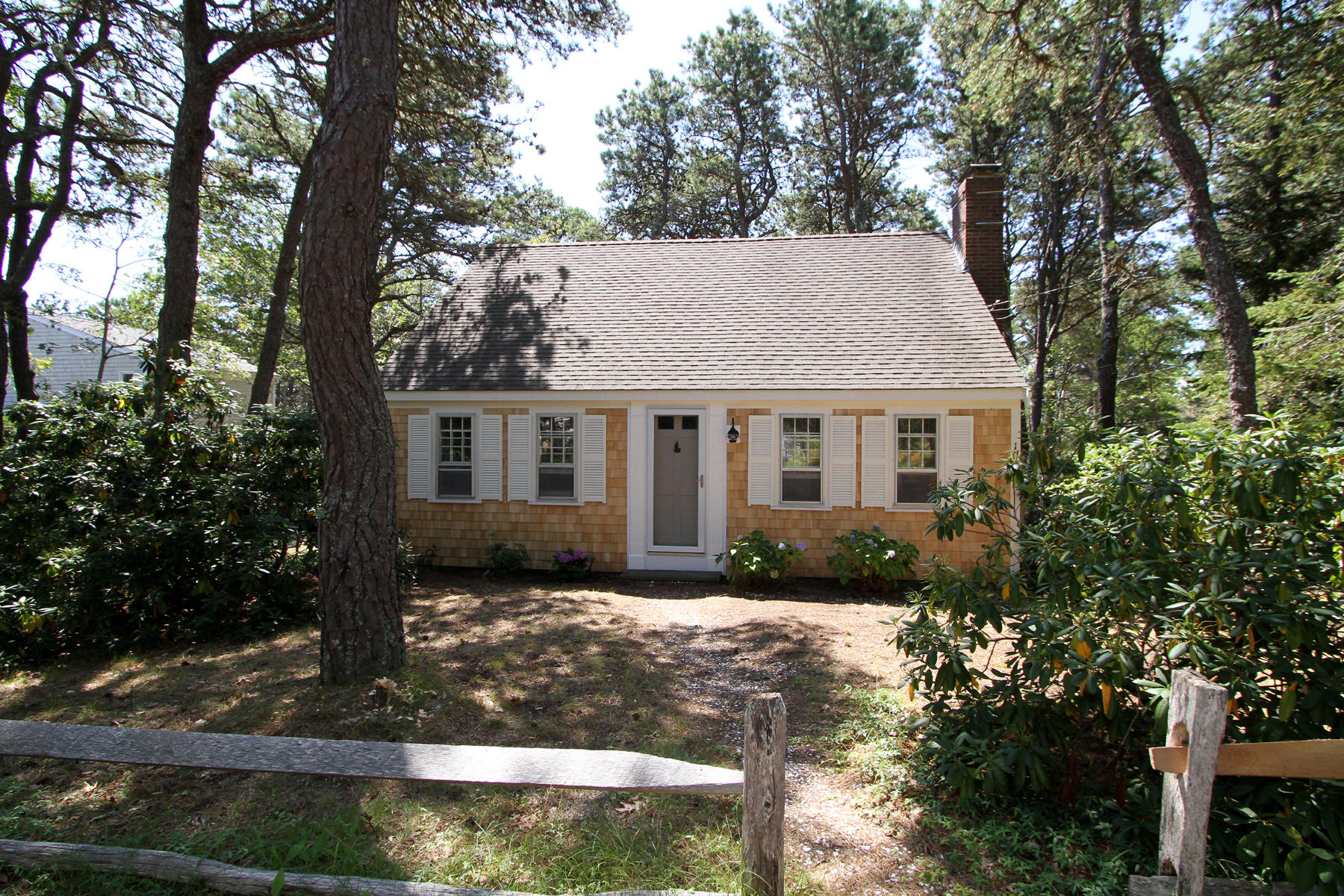 Single Family Homes for Active at 1015 G Street, Wellfleet, MA 1015 G Street Wellfleet, Massachusetts 02667 United States