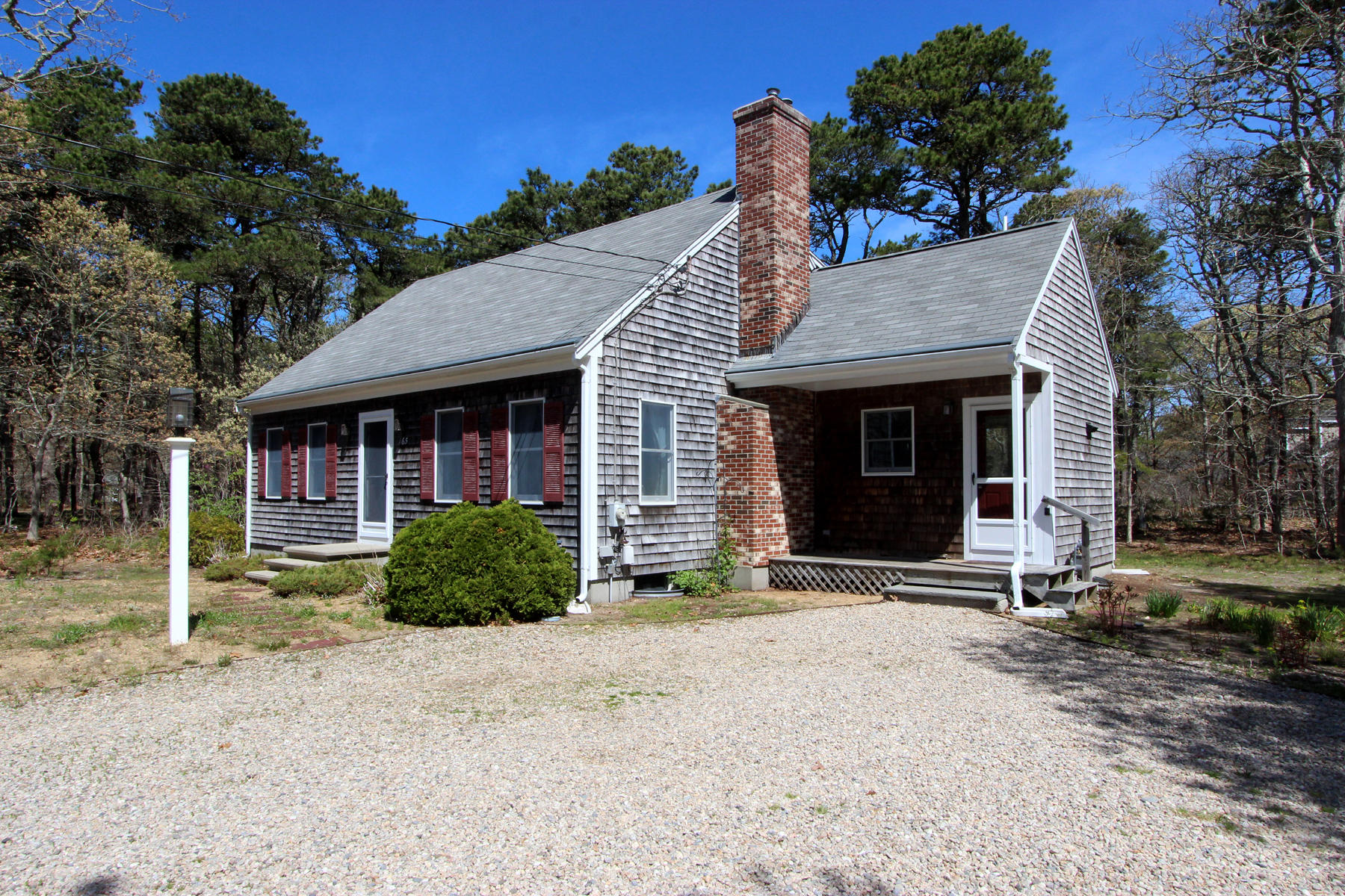 Single Family Homes 为 销售 在 165 Kettle Hole Road, Eastham, MA 165 Kettle Hole Road 伊斯顿, 马萨诸塞州 02642 美国