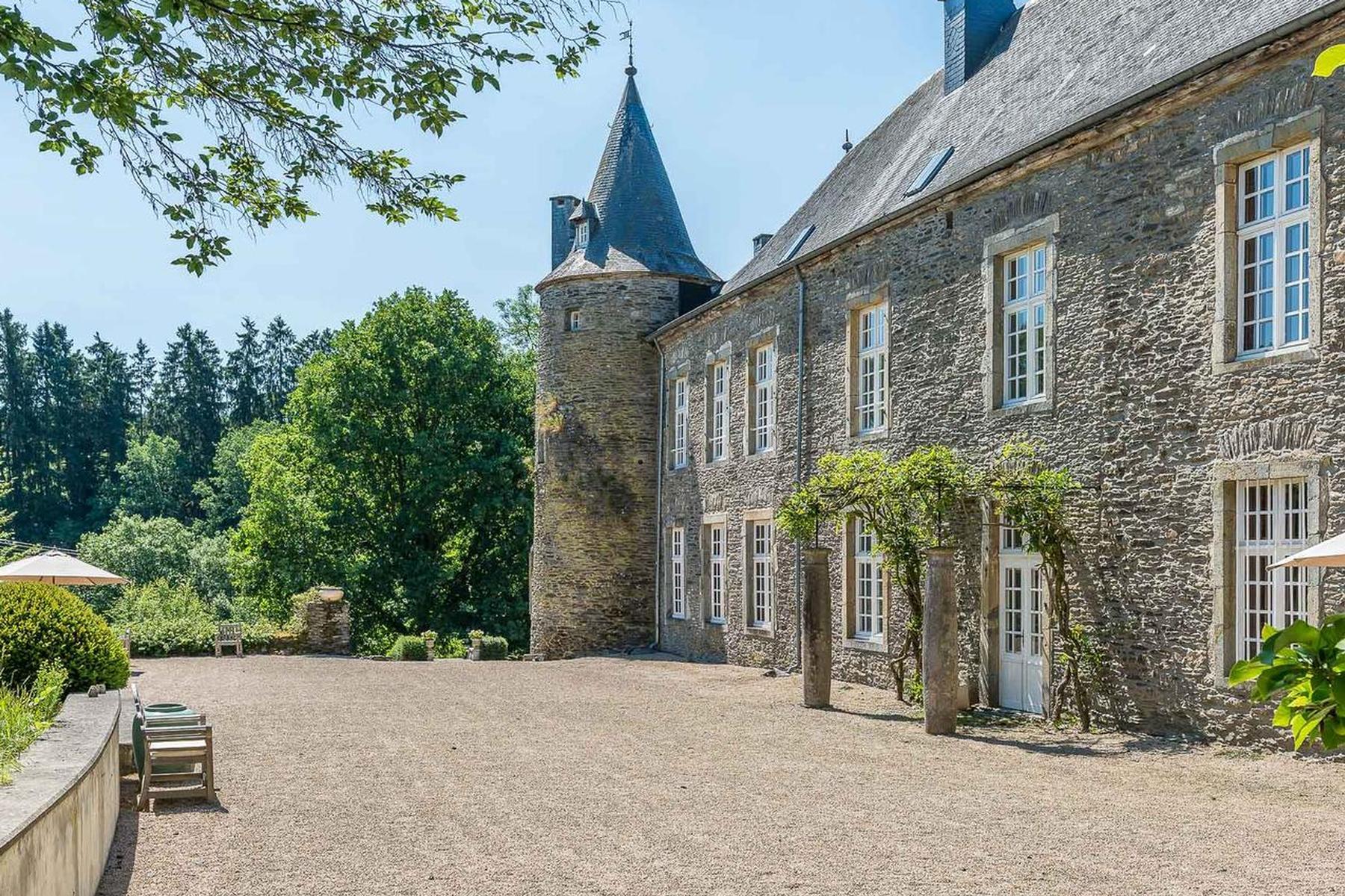 Outros residenciais para Venda às Houffalize I Château de Tavigny Other Luxembourg, Luxemburgo, 6662 Bélgica