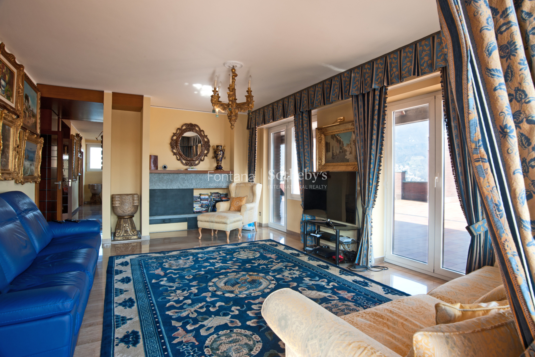 Property Of Elegant penthouse with a beautiful lake view