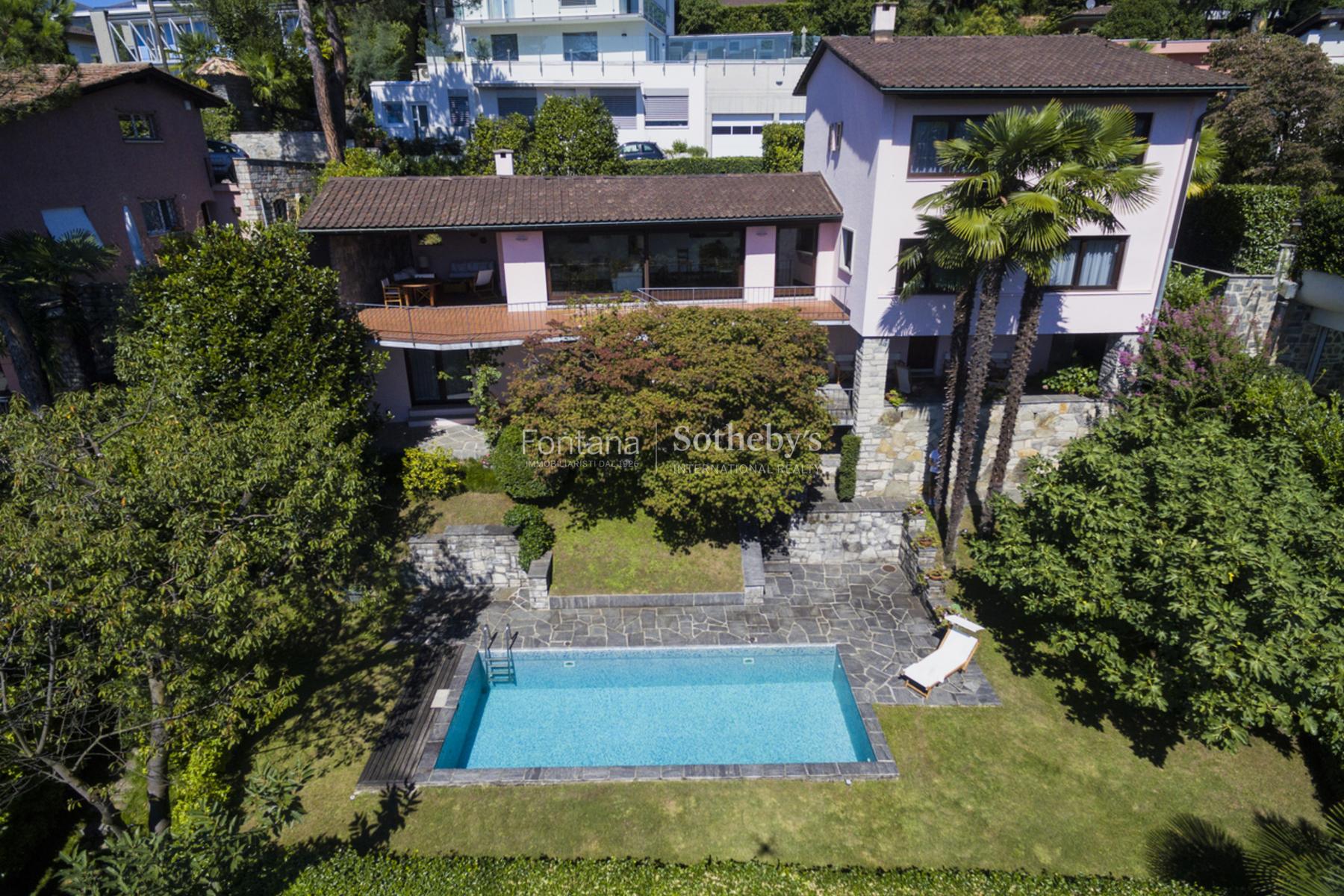Частный односемейный дом для того Продажа на Exclusive villa with swimming pool and lake view Savosa Savosa, Ticino, 6942 Швейцария
