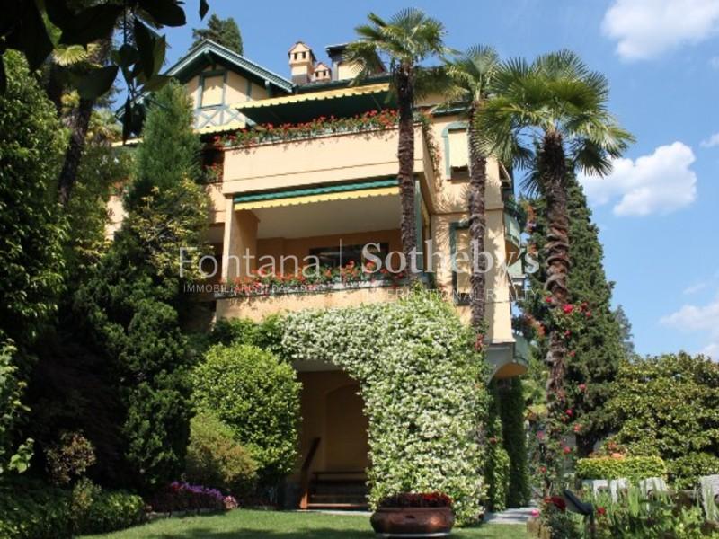 Single Family Home for Sale at Prestigiosa villa classica Lugano Castagnola, Ticino 6976 Switzerland
