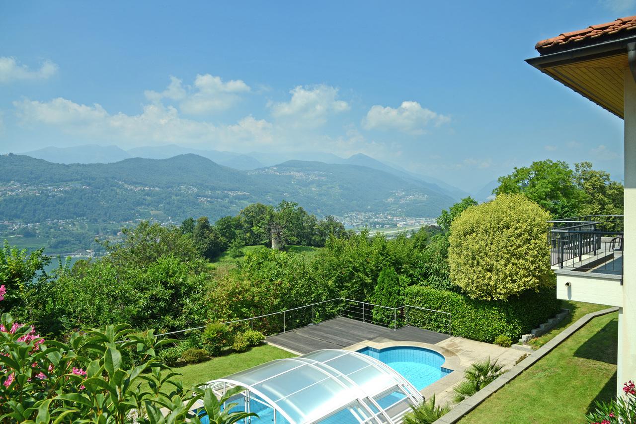 Single Family Home for Sale at Luxury villa set in an exclusive location Montagnola Montagnola, Ticino 6926 Switzerland
