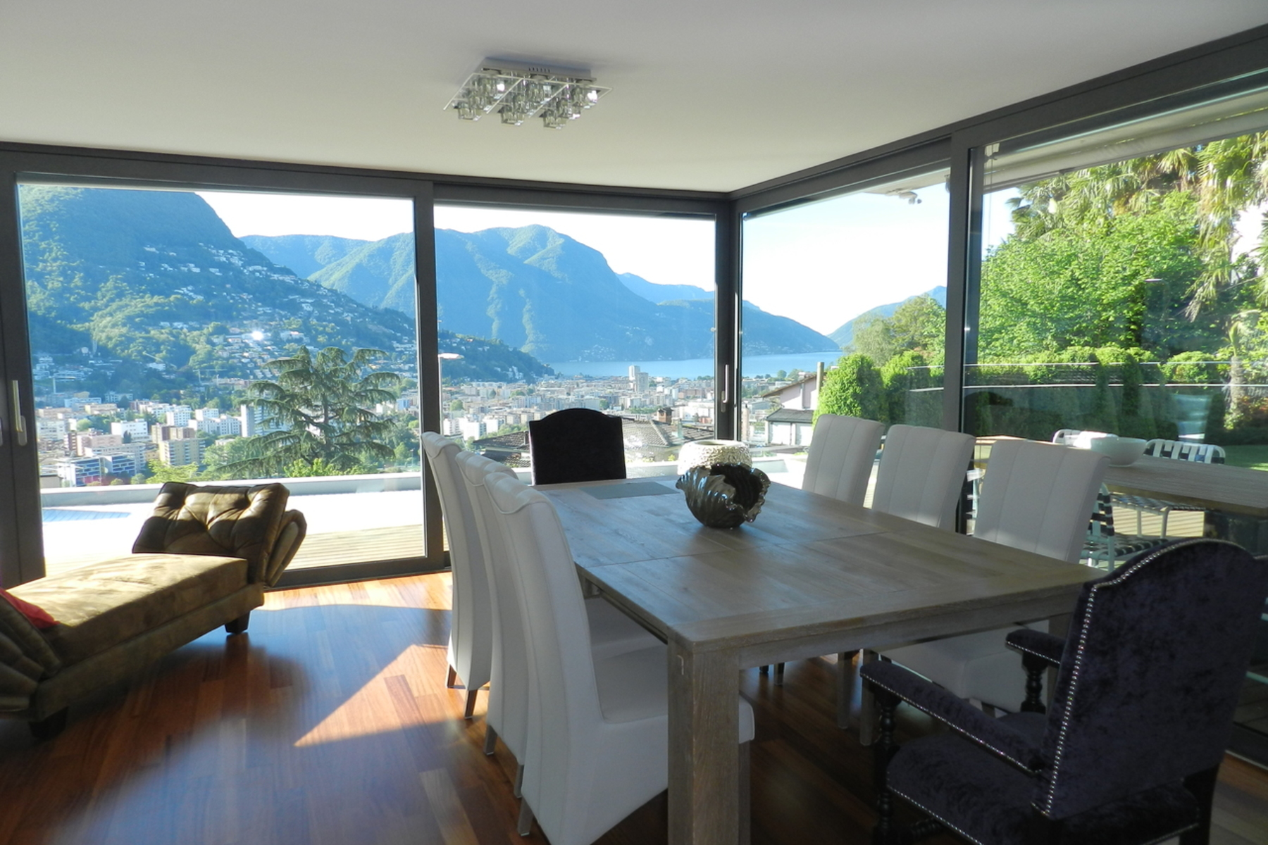 アパート のために 売買 アット Bright apartment with pool and private garden Porza, Porza, Ticino, 6948 スイス