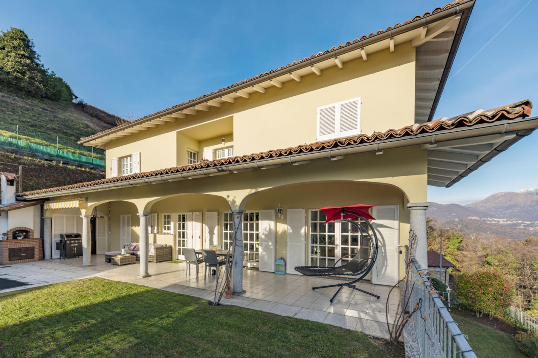 Single Family Homes por un Venta en For Sale, Villa, 6935 Bosco Luganese, Rif. 1990340 Bosco Luganese Bosco Luganese, Tesino 6935 Suiza