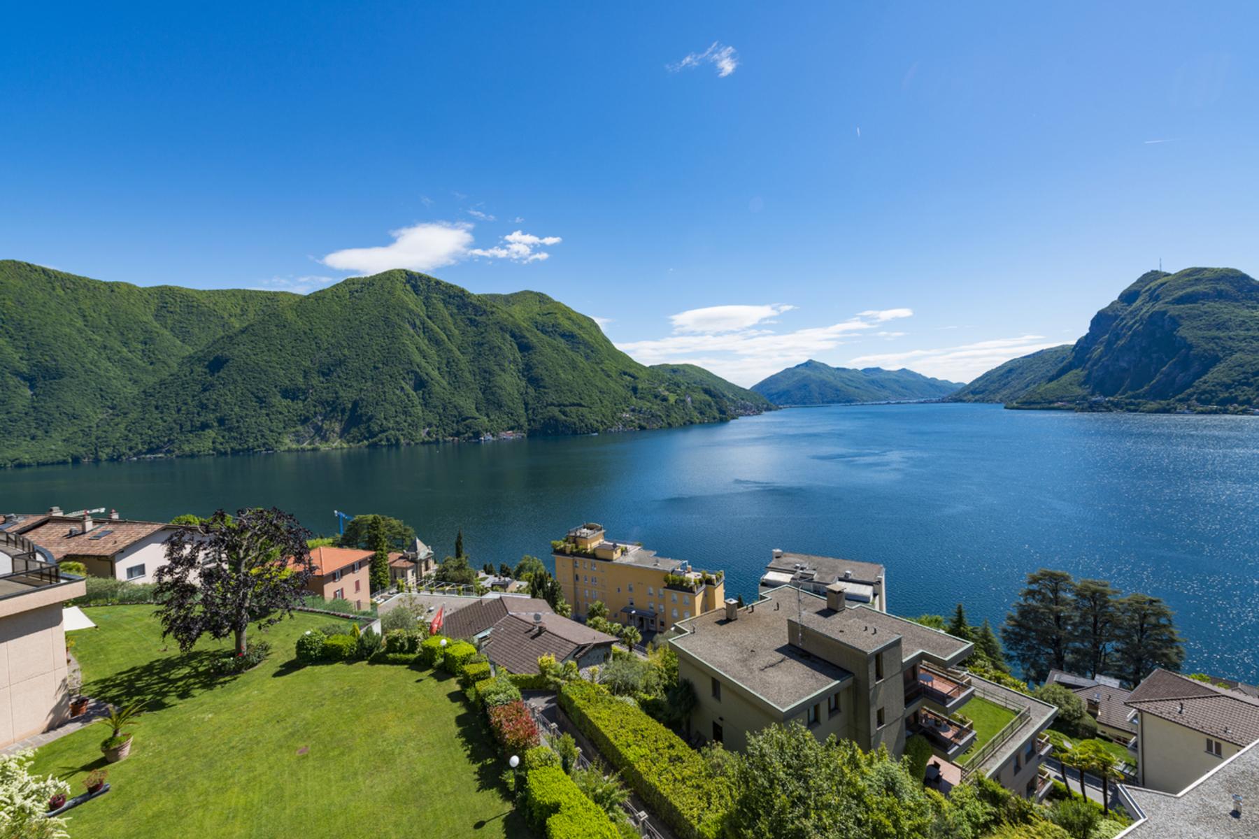 Apartments por un Venta en Loft apartment with stunning lake view Lugano Castagnola Castagnola, Tesino 6976 Suiza