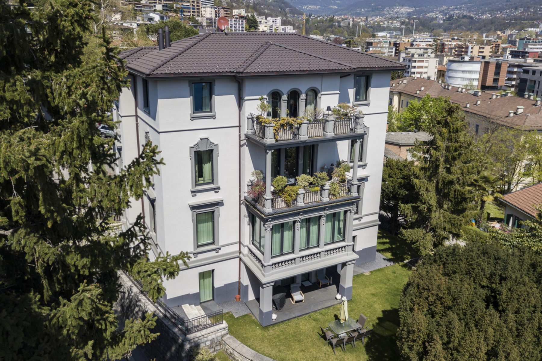 Single Family Homes for Sale at Villa Castausio Lugano Lugano, Ticino 6900 Switzerland