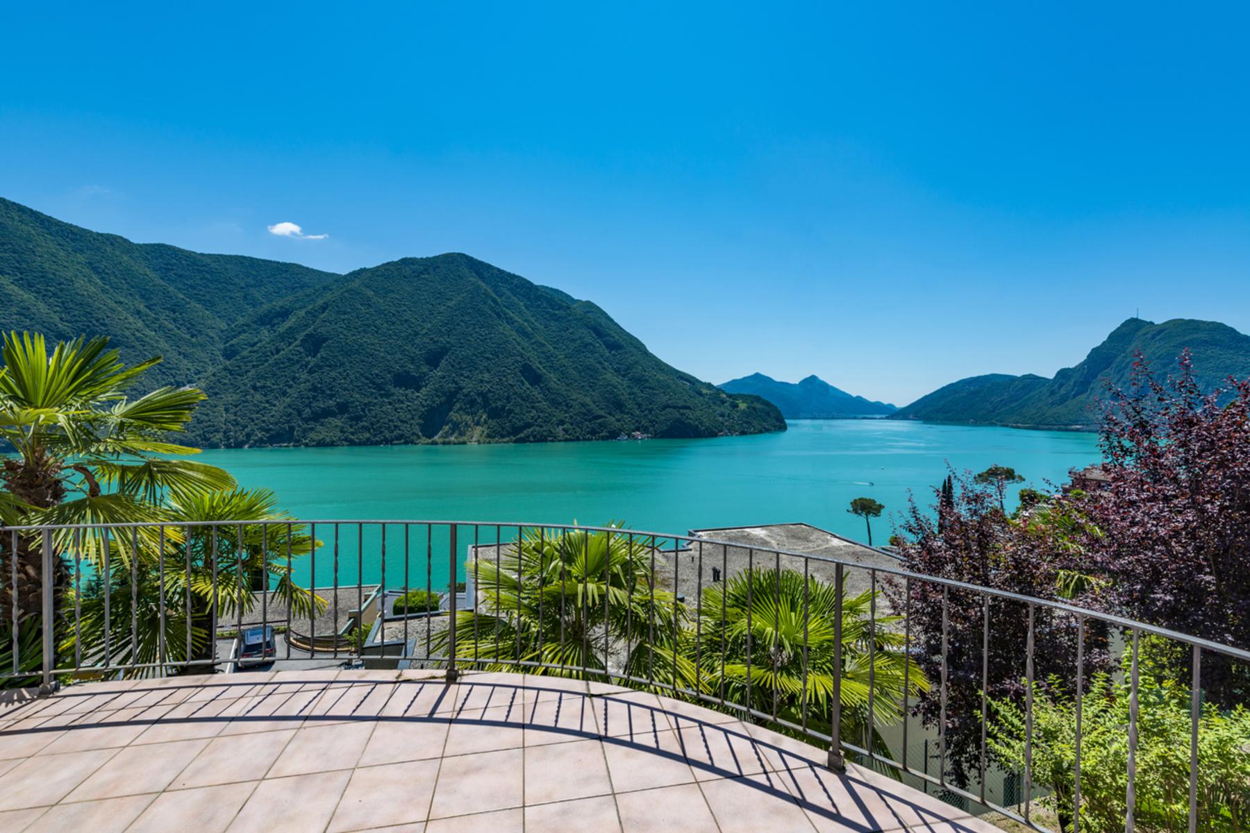 Single Family Homes por un Venta en Single family house with spectacural lake view Castagnola Castagnola, Tesino 6976 Suiza