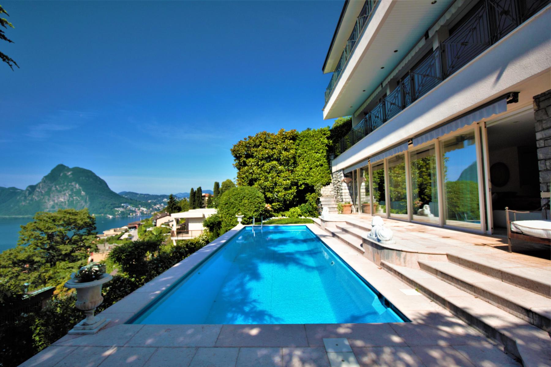 Single Family Homes 为 销售 在 Villa in a prestigious area with a splendid view Castagnola, 提契诺 6976 瑞士