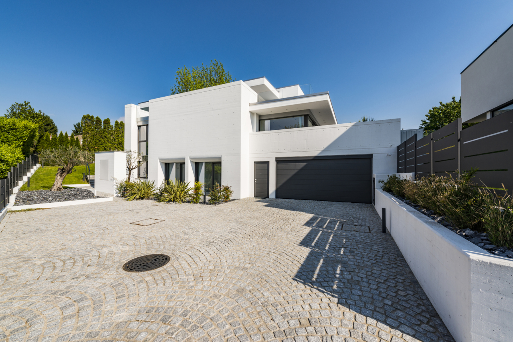 Single Family Homes for Sale at Comfortable and modern villa Collina d'Oro-Gentilino Gentilino, Ticino 6925 Switzerland