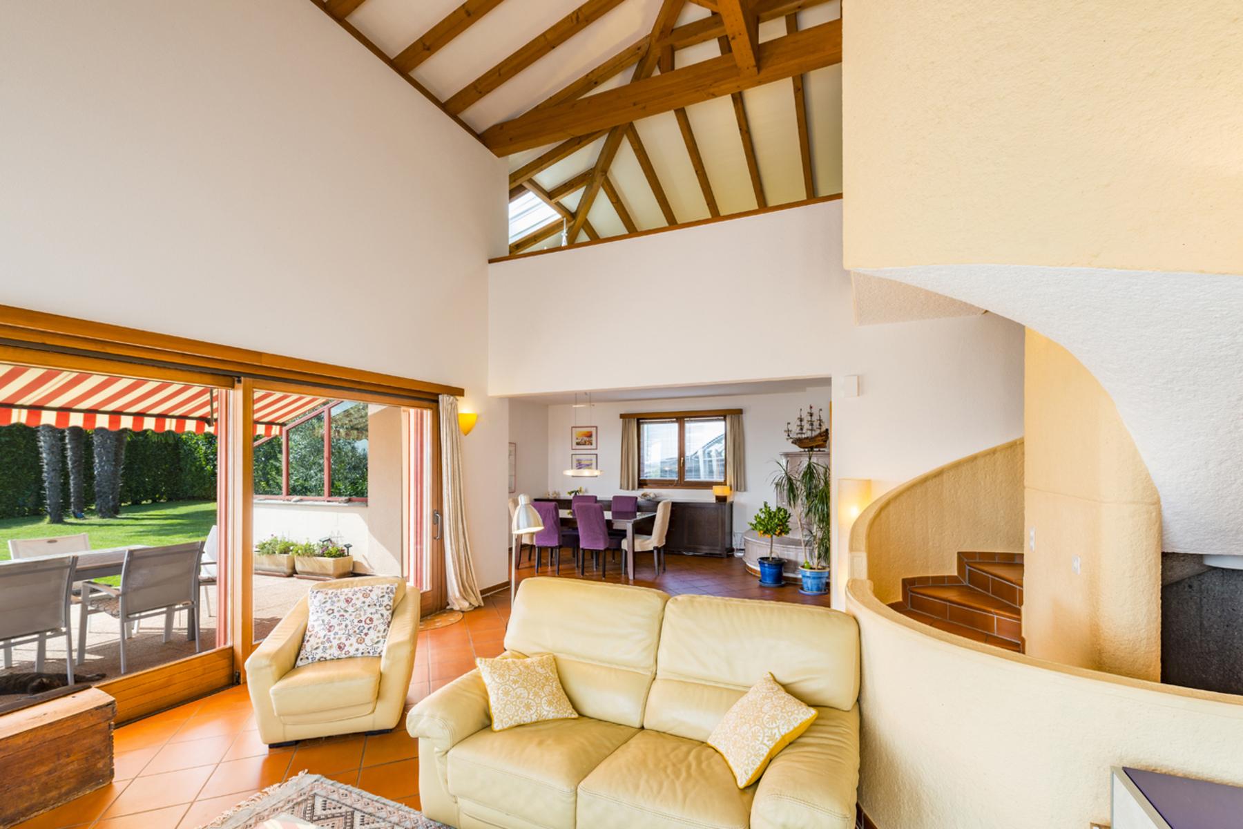 Single Family Homes por un Venta en Nice villa in a quiet residential area Arzo Other Ticino, Tesino 6864 Suiza