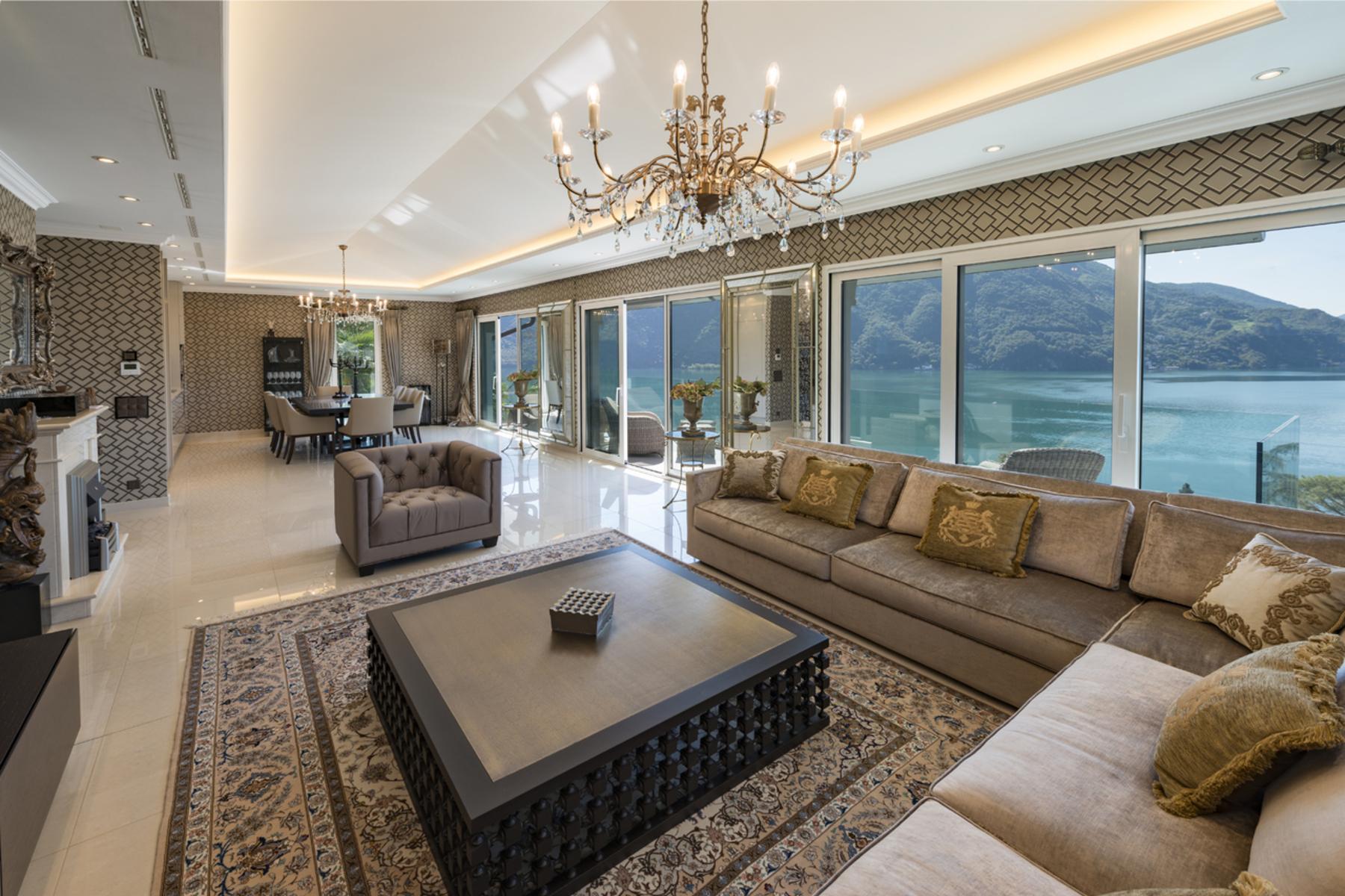 Apartments por un Venta en Luxury penthouse in a prestigious residence Castagnola Castagnola, Tesino 6976 Suiza
