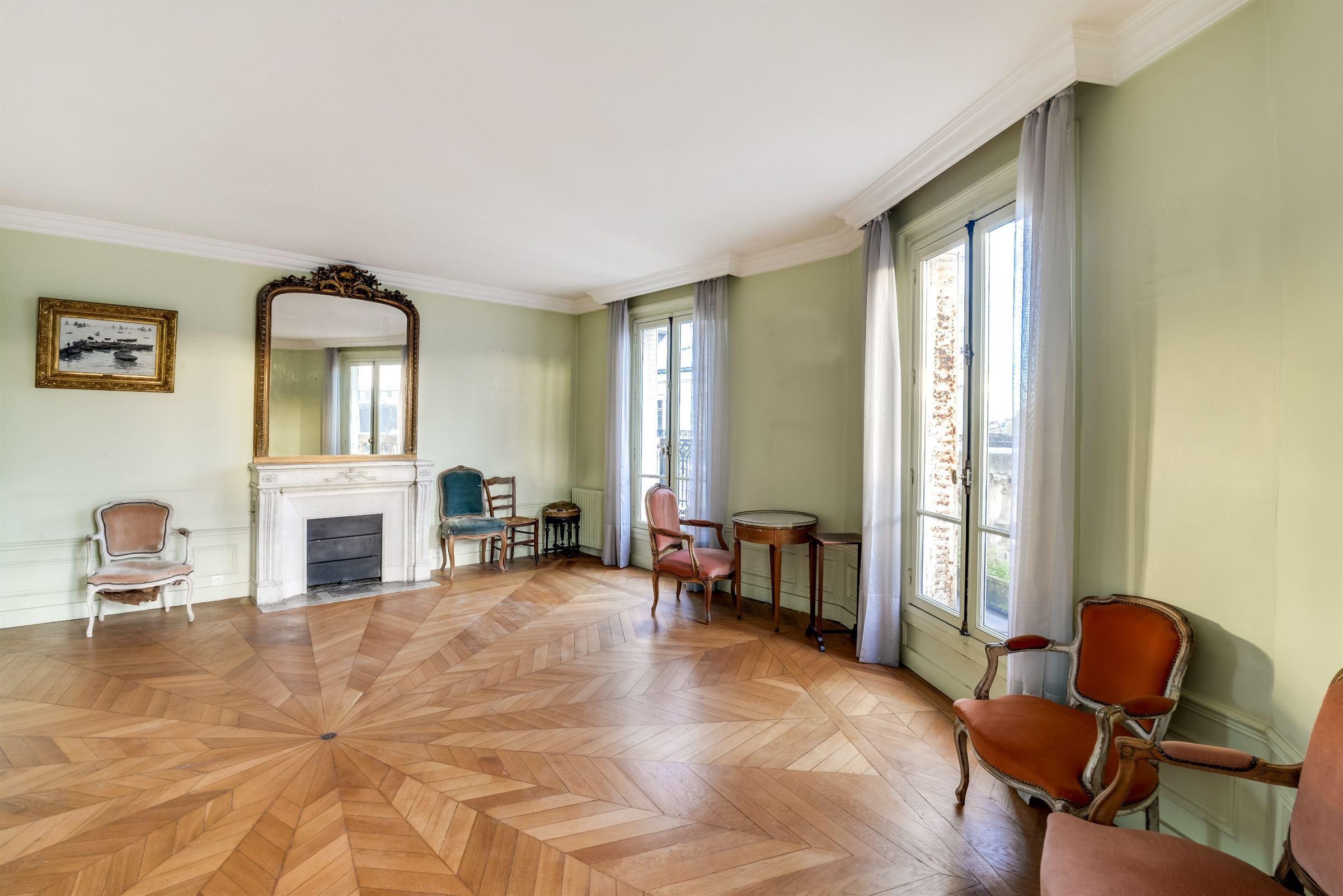 sales property at Apartment with a Notre-Dame view for sale in Paris 6th - St-Germain-des-Prés