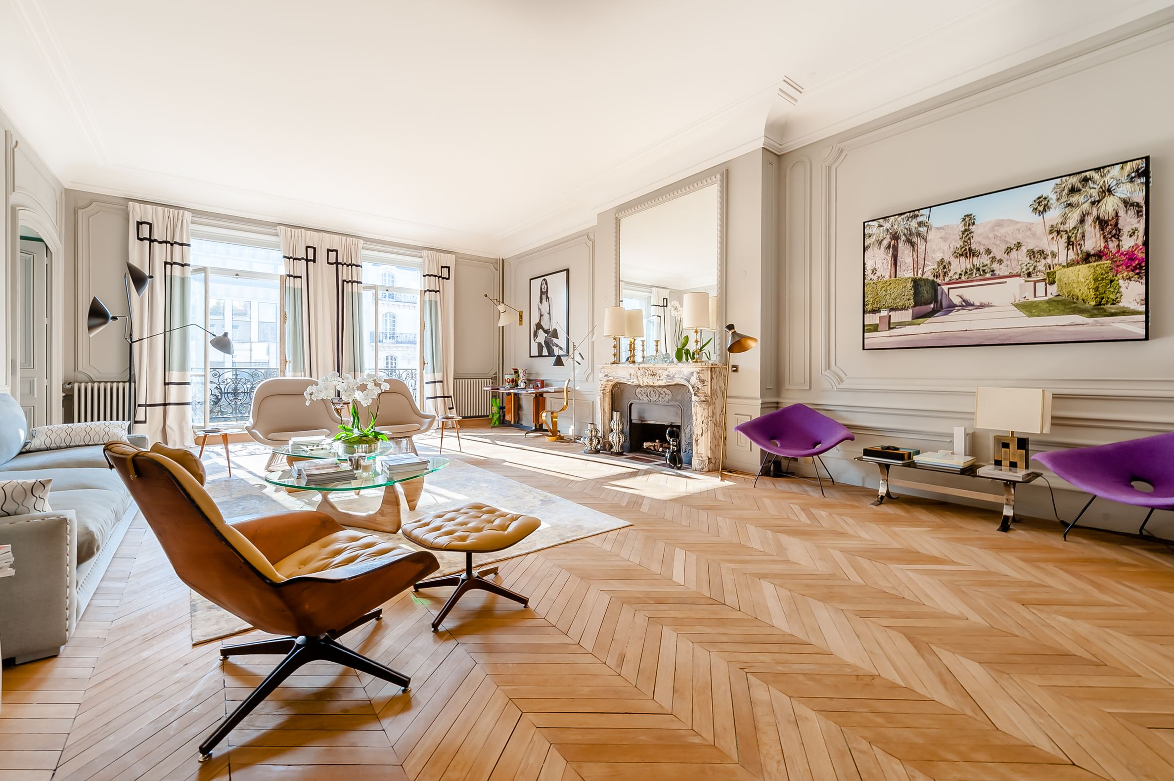 sales property at Parc Monceau - Luxury apartment renovated and furnished