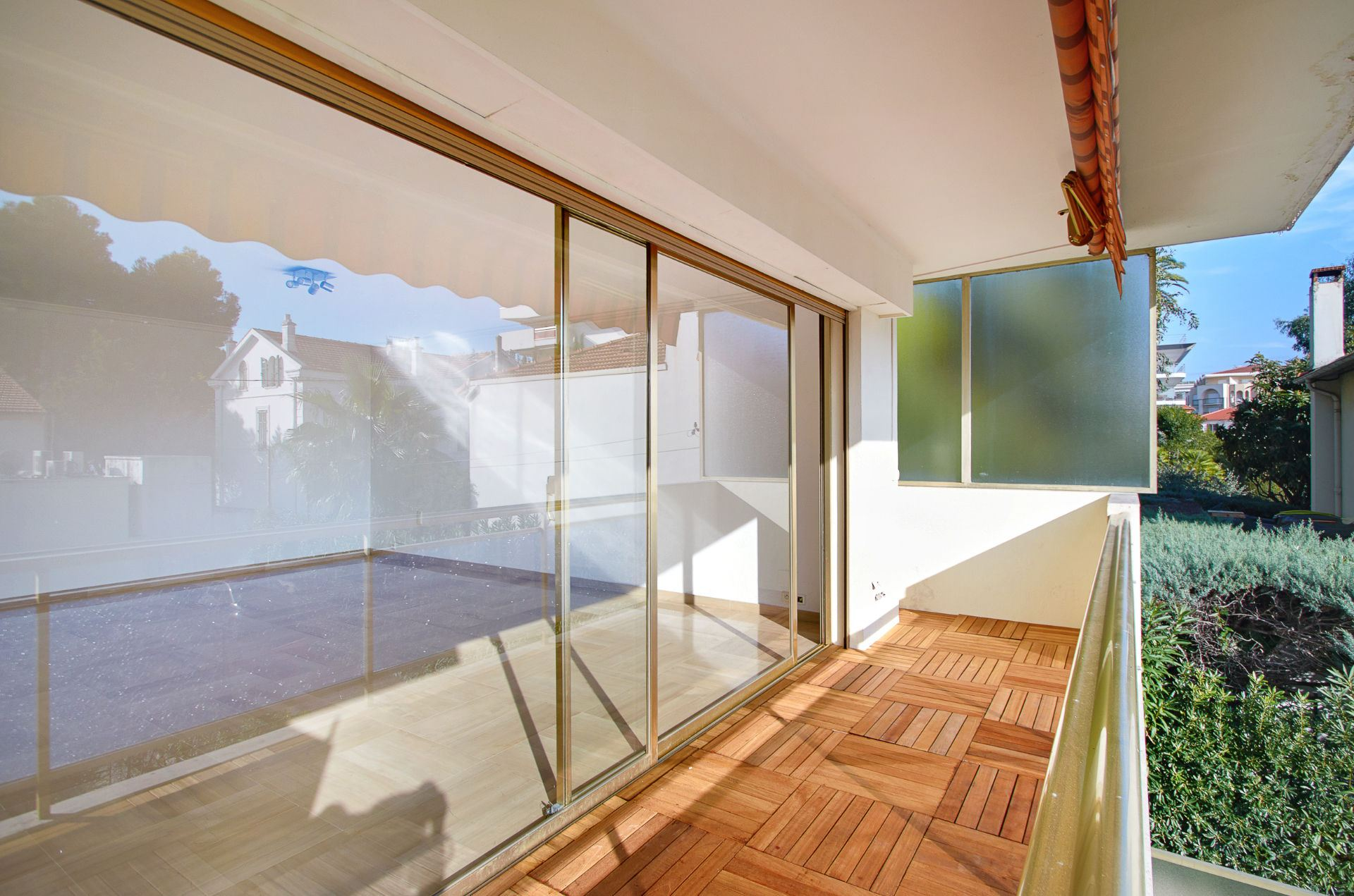 Apartamento para Venda às 2 bedroomed apartment - Cannes Palm Beach Cannes, Provença-Alpes-Costa Azul, 06400 França