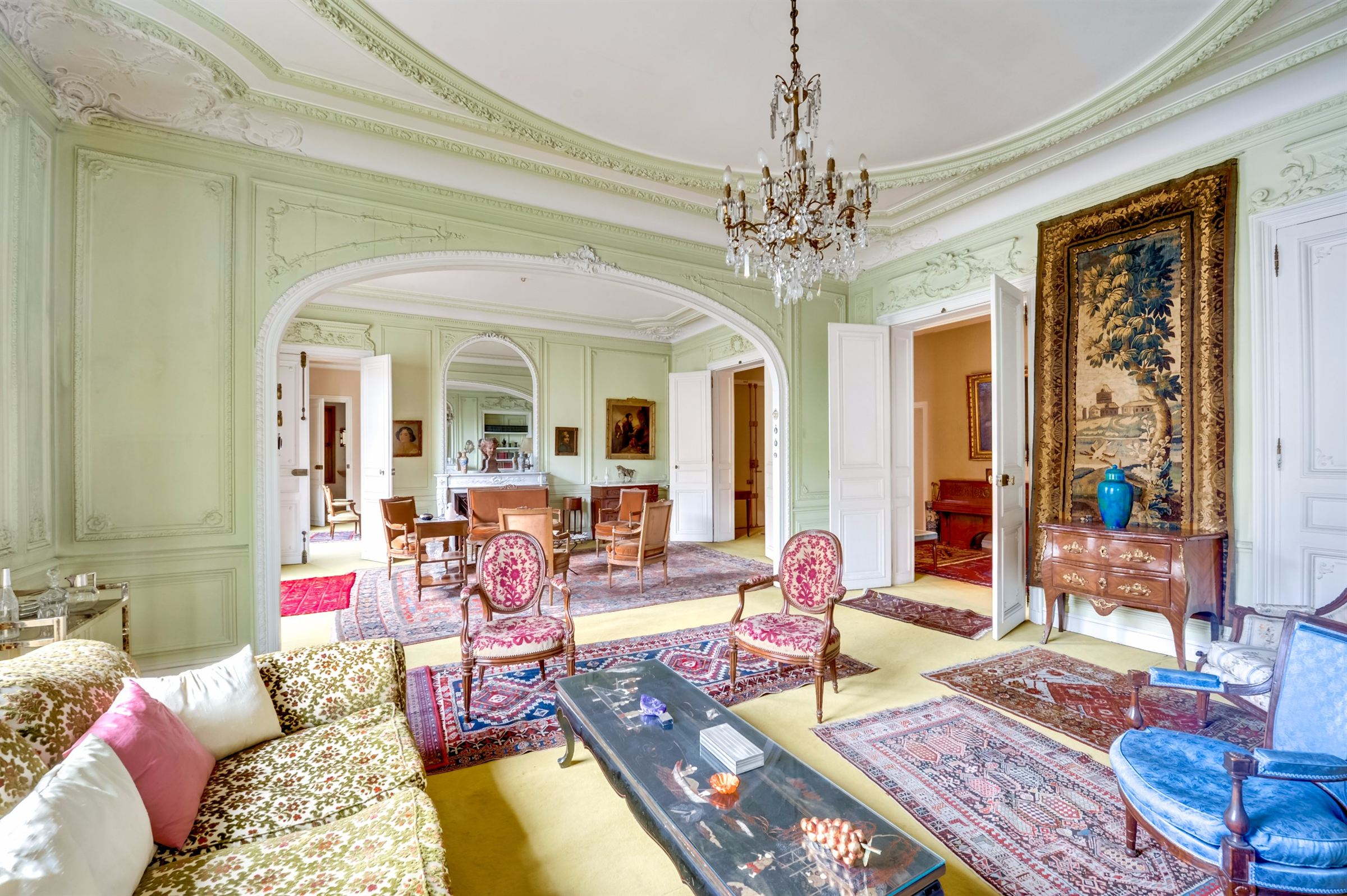 sales property at On sale family and reception apartment in Paris 16 - Henri Martin