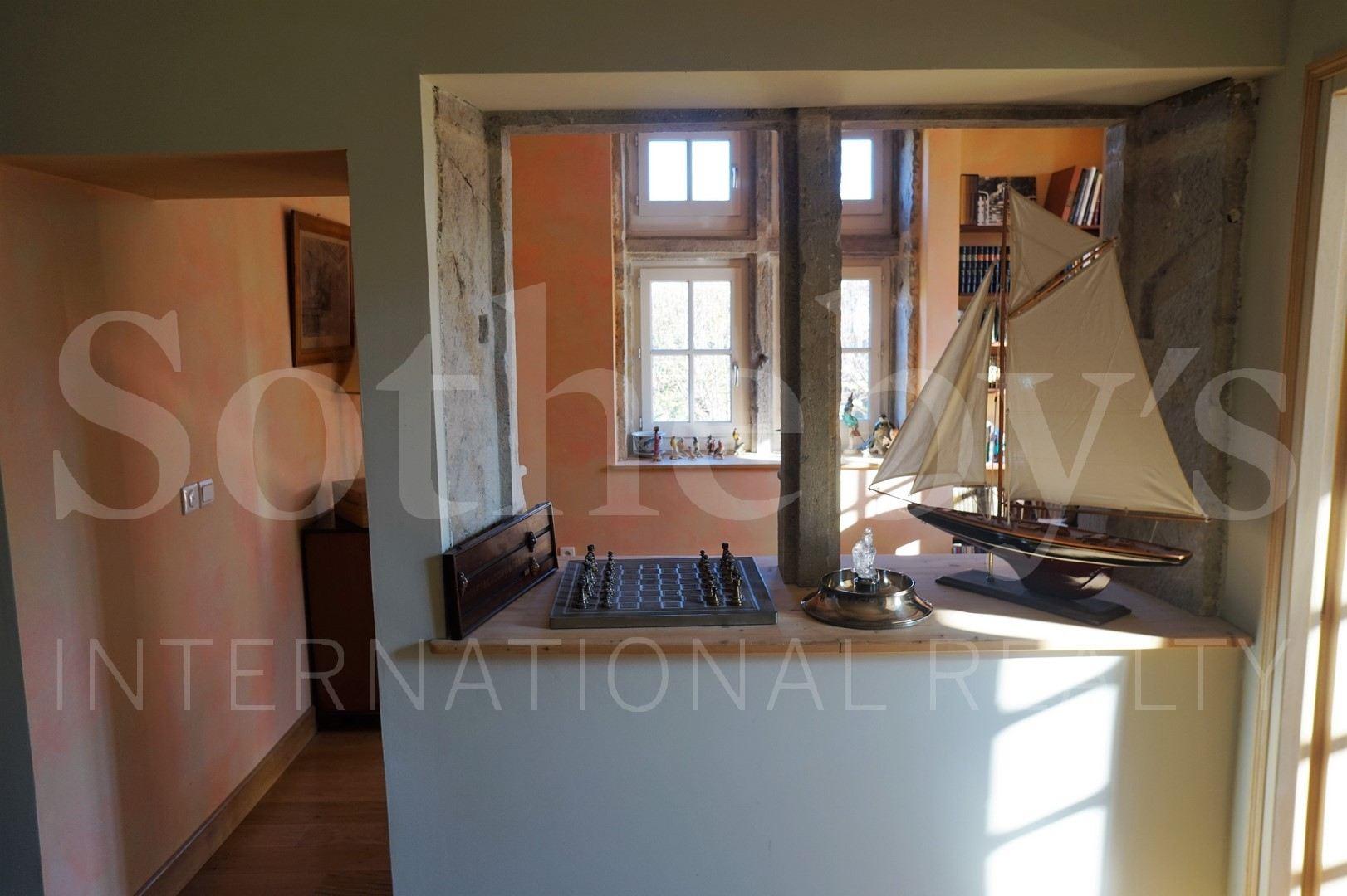 Apartamento por un Venta en ST-CYR-AU-MONT-D'OR Other Rhone-Alpes, Ródano-Alpes, 69450 Francia