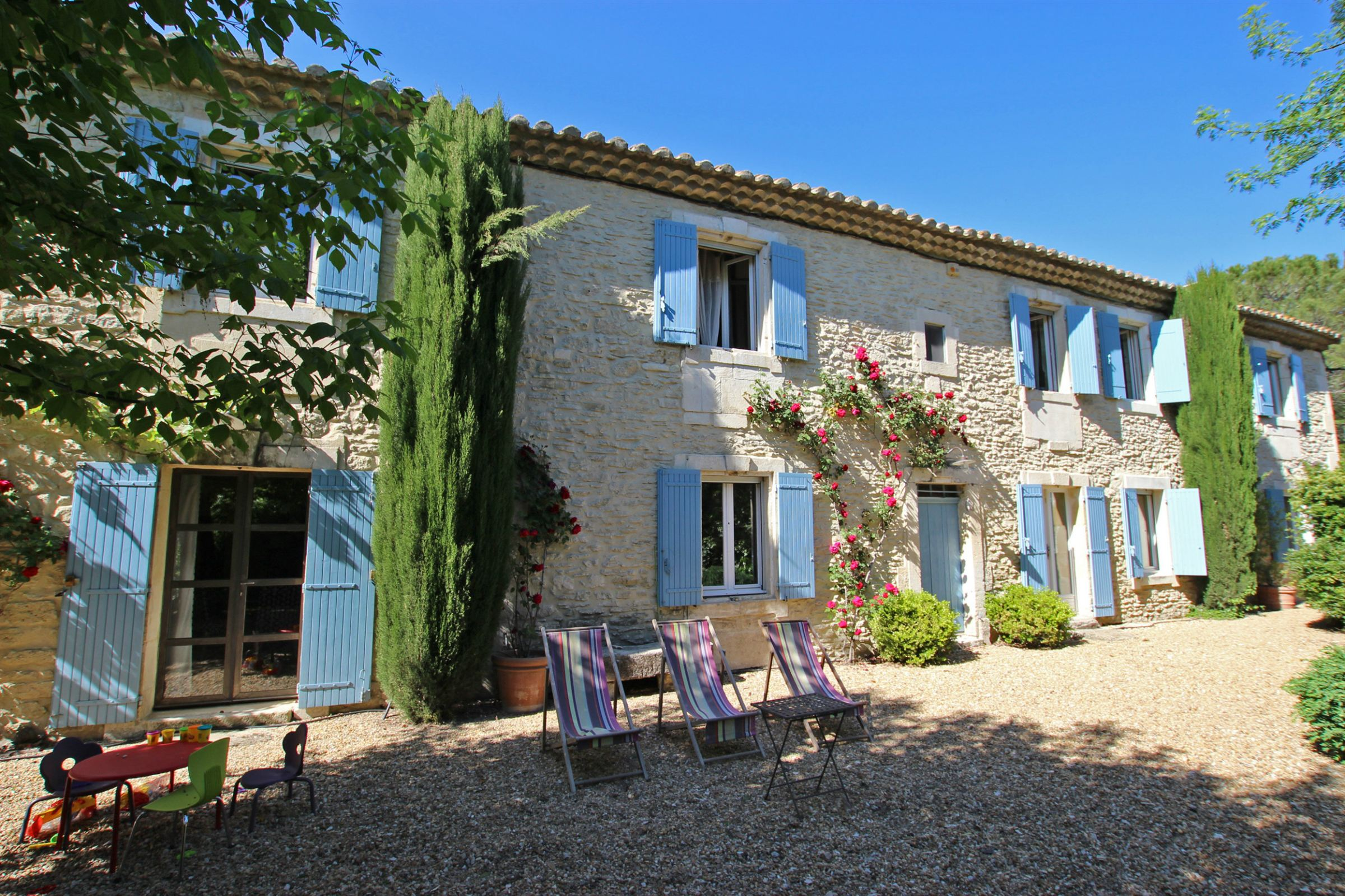 Property For Sale at Typical farmhouse in Provence close to St Remy de Provence